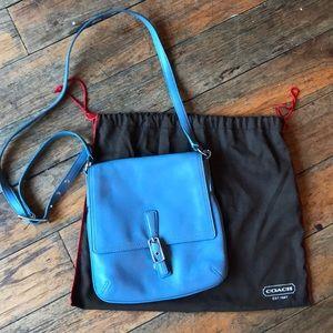Adorable coach cross body purse
